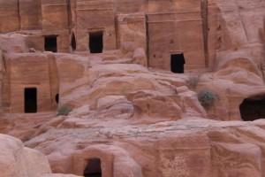 Felsenwohnungen in Petra