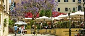 Italienischer Flair in Korfu-Stadt