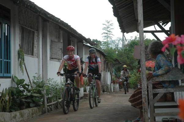 Reisebericht Fahrradtour in den Regenwäldern  der Insel Java / Indonesien