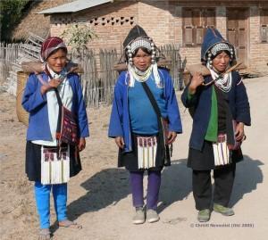 Frauen vom Stamm der Akha