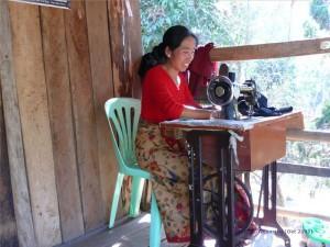 Eine Lehrerin vom Stamm der Wa