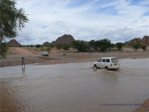 Überquerung des Aba Huab Flusses