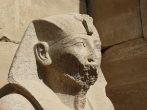 Statue im Karnaktempel