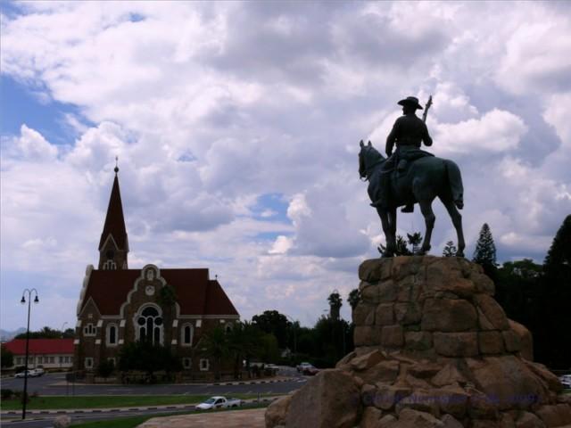 Namibia-Reisebericht: Stadtrundfahrt Windhoek mit Township Katutura