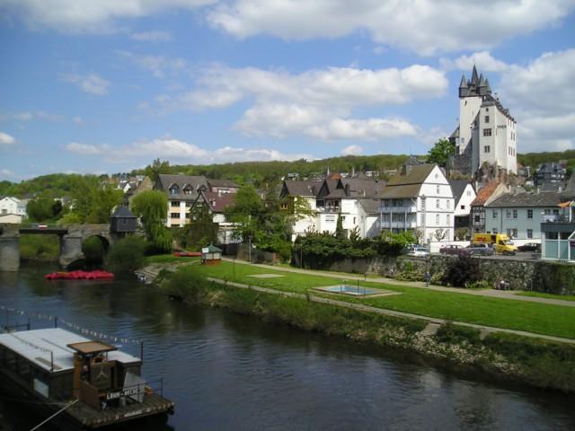 Sprachferien in Deutschland / Kanu-fahren und Französisch lernen