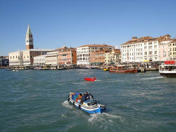 Reisetipp Venedig – Von Markusplatz, Rialto-Brücke, Canale Grande, Dogenpalast und Lido di Jesolo