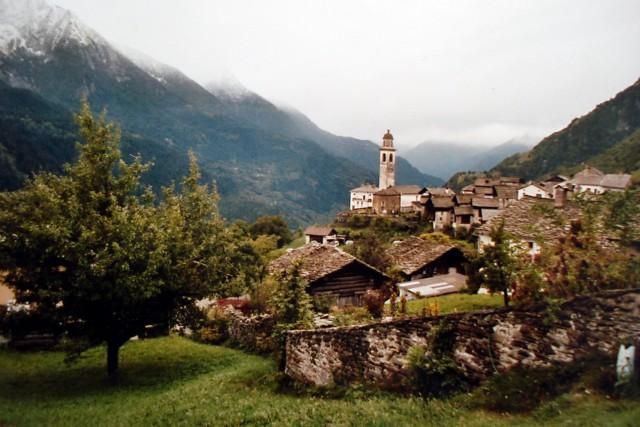 Reiseberichte Schweiz: Soglio, Kanton Graubünden - Evelyn Hofer und die Kastanienwälder