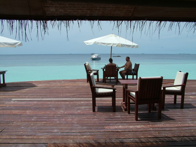 traum urlaub auf den malediven insel angaga. Black Bedroom Furniture Sets. Home Design Ideas