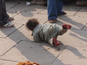 Kind der Bettlerin