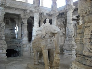 Elefant aus Marmor