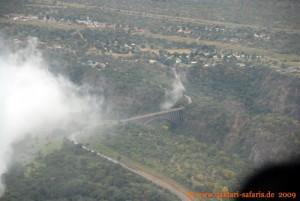 Simbabwe-Urlaub -Victoria Falls- Wasserfälle - Hubschrauber-Flug - Brücke nach Sambia