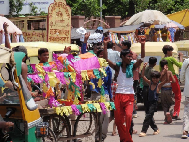 Indienreise von Neu Delhi mit dem Auto nach Kaschmir