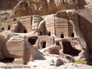 Die versteckten Gräber in der Felsenstadt Petra in Jordanien