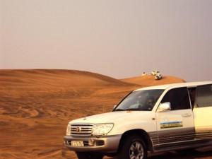 Abenteuer Jeepsafari in der Wüste bei Dubai