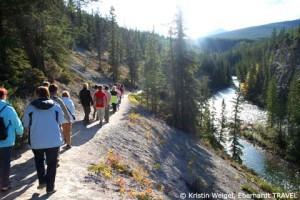 Wir wandern entlang des Maligne Canyons im Jasper-Nationalpark
