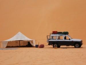 Ankunft im Wüstencamp Loumpoul