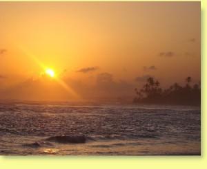 sonnenuntergang kabalana beach