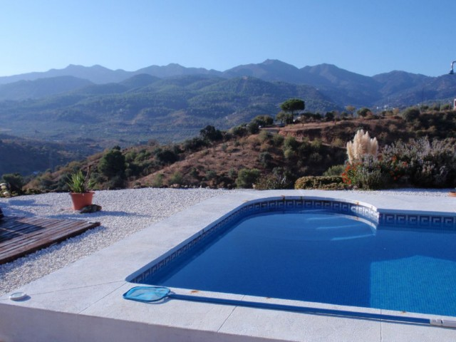 Ein weisses Bergdorf in Andalusien feiert seinen maurischen Ursprung