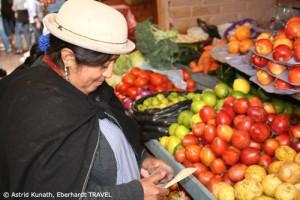 Einheimischer Obst- und Gemüsemarkt in Otavalo - köstlich!