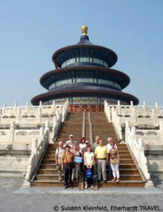Unsere Reisegruppe vor der Halle des Erntegebetes in Peking