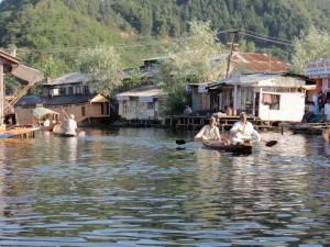 wohnen auf dem Dal See