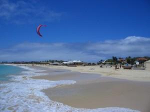 Kapverden: Surfer auf Sal - Sonne und Meer. Urlaub auf Kap Verde