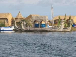 Schilfboote der Uros