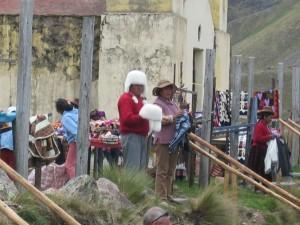 Verkaufsstand mitten in den Bergen von Peru