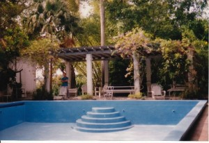 Hemingways Pool