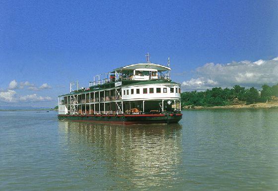 Die RV Orient Pandaw - Flusskreuzfahrt und Luxus auf Borneo