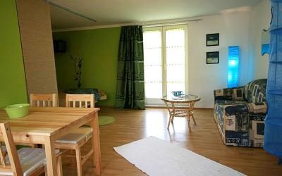 Wohn- und Schlafzimmer im Untergeschoss