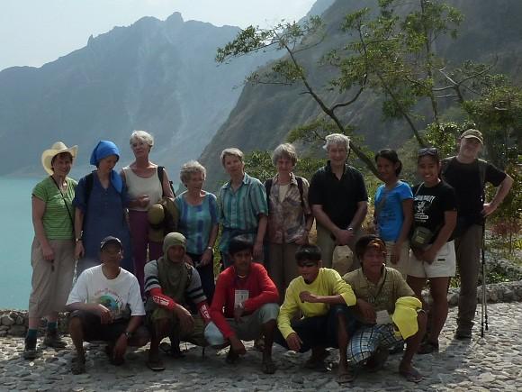 Die Reisegruppe und Pinatubo Tourbegleiter