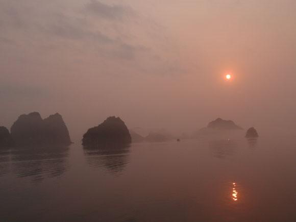 Vietnam-Halong-Bucht-Sonnenuntergang