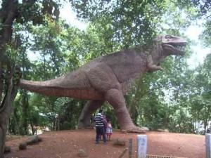 Im größten Archaeologischen Museum von Kerala gab es einen Dinsoaurier als Kinderattraktion.