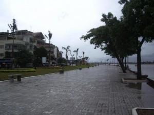 Uferpromenade in Phnom Penh entlang des Tonle Sap-Fluss