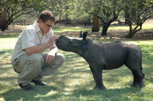 Wildtier-Auffangstation - verwaistes Nashornjunges