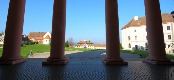 Stift Göttweig mit Klosterhof