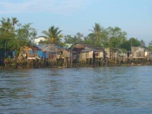 Dorf am Rande des Mekong