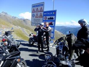 Motorräder in den Alpen