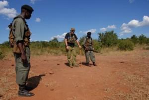 Patrouille mit Rangern und Shannon, Löwenspuren