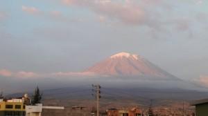Der Vulkan Misti, Traumber über Arequipa