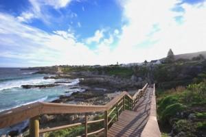 Wanderpfad entlang der Küste