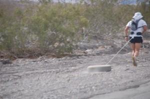 Im Death Valley trifft man allerlei skurile Leute beim Extremsport ...