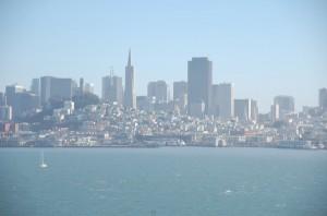 Blick von Sausalito über die Bucht auf San Francisco