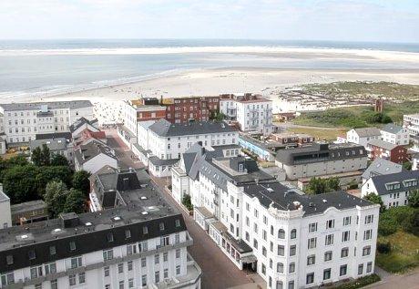 Blick auf das Seehotel Borkum