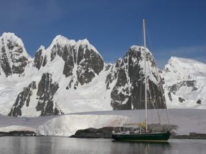 Die Antarktis Reise mit einem Segelschiff