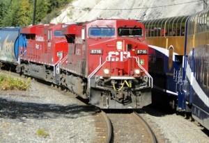 Während der Eisenbahnfahrt auf dem Rocky Mountaineer zwischen Banff und Vancouver.