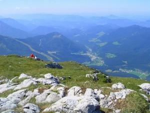 Blick vom Ötscher hinunter nach Lackenhof