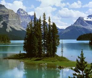 See in den Rocky Mountains Kanada