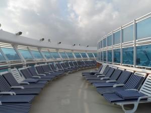Kreuzfahrt mit Princess Cruises - Pooldeck auf der Crown Princess